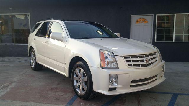 2008 Cadillac SRX RWD When Luxury meets Utility the Cadillac SRX is born Very Clean White on Bei