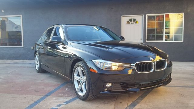 2012 BMW 328i 328iA Hey Looking to drive in a sleek and modern BMW This vehicle was well mainta