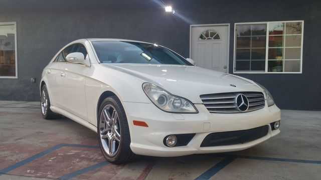 2006 Mercedes CLS500 Coupe Wow This Mercedes-Benz CLS 500 Convertible is one fine looking car Wh
