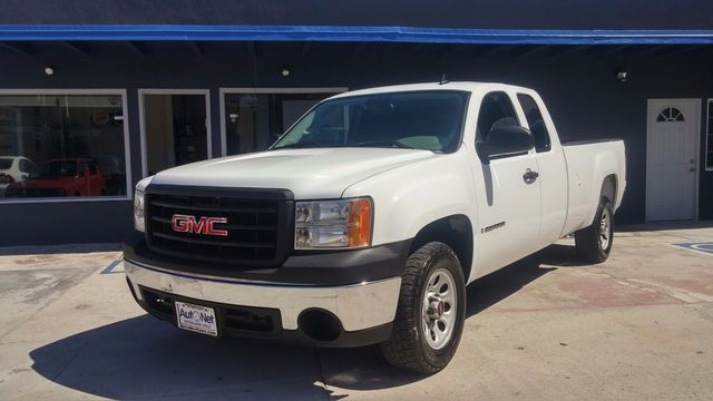 2007 GMC Sierra 1500 Extended Cab w Navigation Wow This GMC Sierra 1500 is a great looking truck