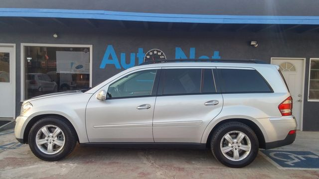 2007 Mercedes GL450 4MATIC w Premium pkg Are you looking for a GORGEOUS comfortable car Then you