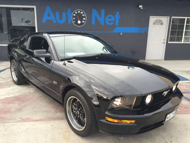2005 Ford Mustang GT Premium This 05 Mustang GT Premium is the one youve been looking for Black