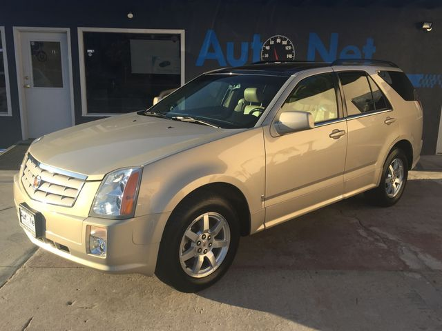 2009 Cadillac SRX 3RD row with Panaromic roof This 09 Cadillac SRX is a beautiful luxury SUV Cash