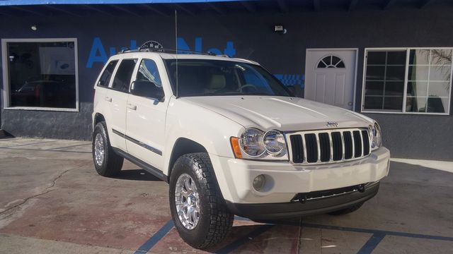 2005 Jeep Grand Cherokee Limited 4X4 2005 JEEP Grand Cherokee Limited 4X4 is TRAIL RATED with QUAD