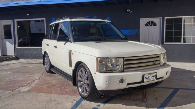 2004 Land Rover Range Rover HSE AWD Look at this 2004 Range Rover is in amazing shape Clean white