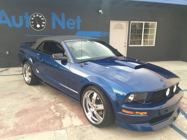 2007 Ford Mustang GT Convertible Wow This 07 Mustang GT Convertible is a beauty Gorgeous Blue on