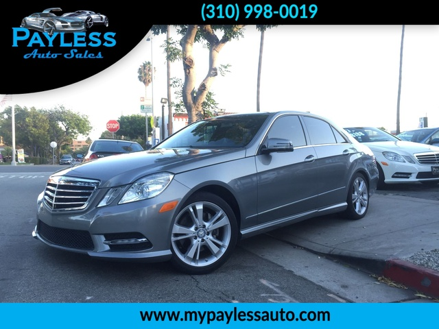 2013 Mercedes E350 E350 Sport OUR 2013 MERCEDES E350 IS A GORGEOUS SPORT CAR WITH MOONROOF AND WOO