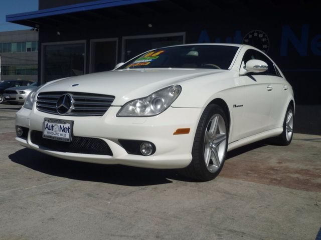 2006 Mercedes CLS55 AMG SUPER CHARGED Wow This Mercedes-Benz CLS 55 AMG is a BEAUTY Classy White