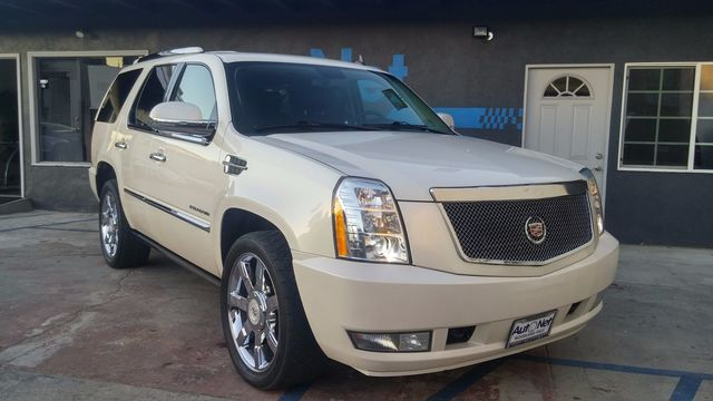 2011 Cadillac Escalade Premium Beautiful This 2011 Cadillac Escalade is the luxury SUV for you