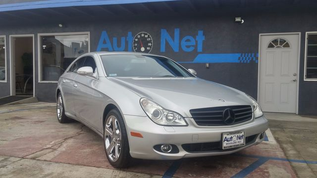 2007 Mercedes CLS550 55L  SPORT What a beauty Check out this 2007 Mercedes-Benz CLS 550 This Be