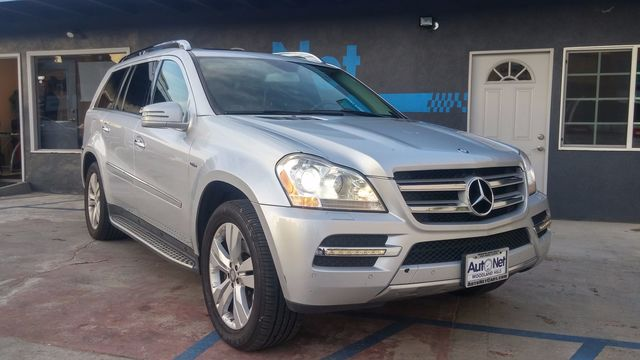 2012 Mercedes GL350 4WD w 3rd row seats amp P This 2012 GL350 BlueTEC is a true beauty Silver