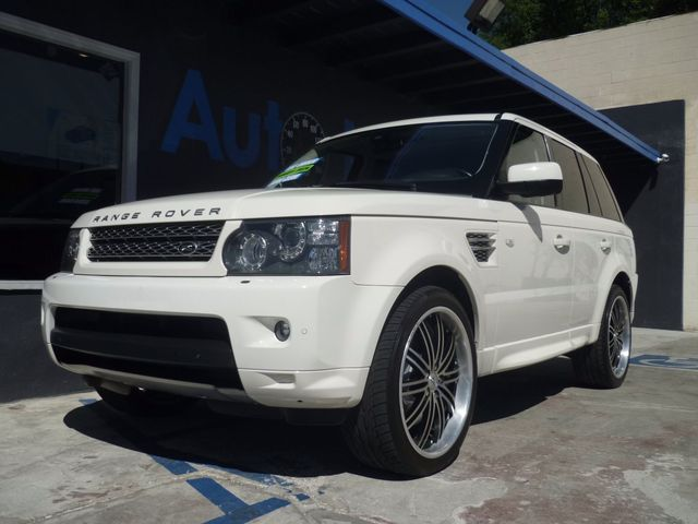 2010 Land Rover Range Rover Sport SCW CAMERA PACKAGE Looking for a stylish and sporty SUV Look