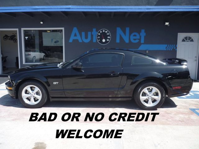 2008 Ford Mustang GT Premium Breathtaking is the only word to describe this 2008 MUSTANG Black on