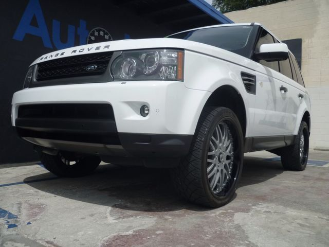 2011 Land Rover Range Rover Sport HSE LUX with 22 INCH ASANTI rims Breathtaking is the only word t