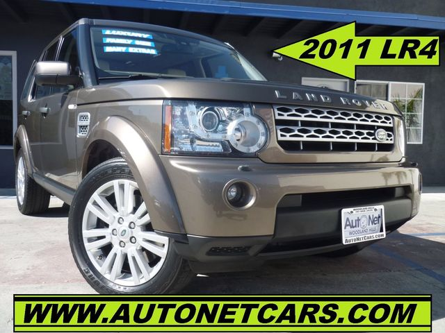 2011 Land Rover LR4 HSE with 3Rd ROW Breathtaking is the only word to describe this 2011 Land Rove