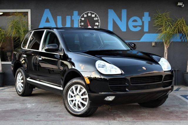 2006 Porsche Cayenne Sport Premium This 2006 Porsche Caynne with Black on Black Full Leather inter