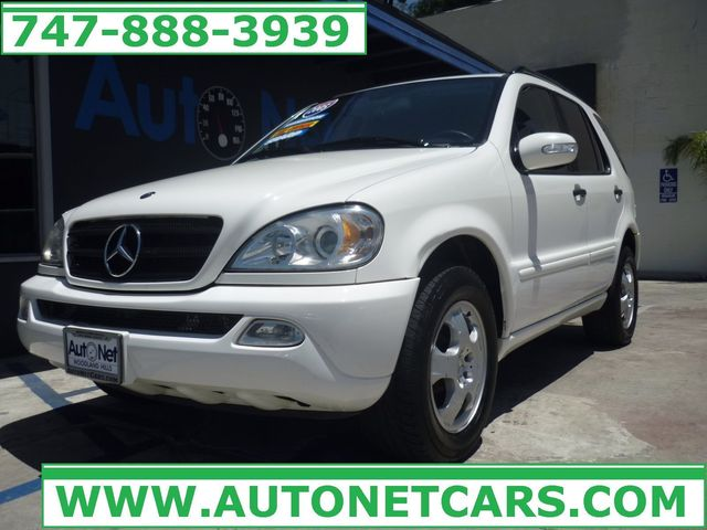 2005 Mercedes ML350 37L ALL WHEEL DRIVE Whoa Check out this Mercedes-Benz ML350 This SUV has th