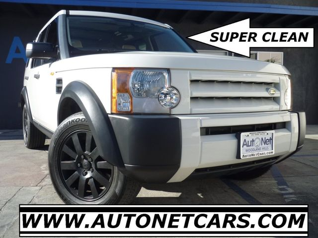 2005 Land Rover LR3 SE AWD AWESOME 4WD Look at this 2005 Land Rover LR3 Clean White on Beige colo