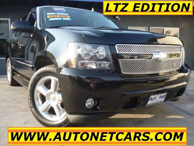 2007 Chevrolet Suburban 3RD ROW LTZ PREMIUM WOW This 2007 Chevrolet Suburban LTZ is quite the cat