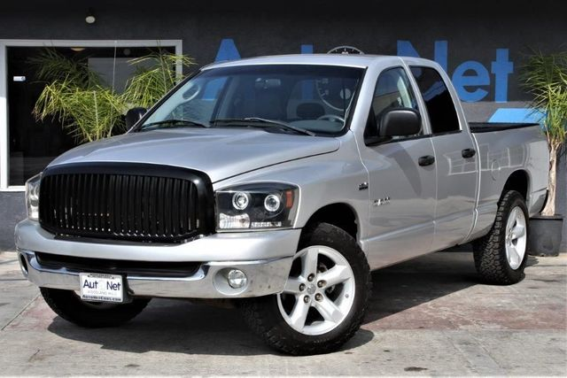 2008 Dodge Ram 1500 SLT This 2008 DODGE RAM 1500 QUAD MEGA CAB SLT PICKUP has it all Silver Gray