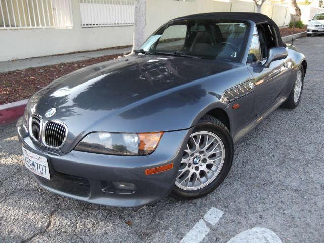 1999 BMW Z3 25L wow super clean black 3 series wont last long we sell the repos for the bank