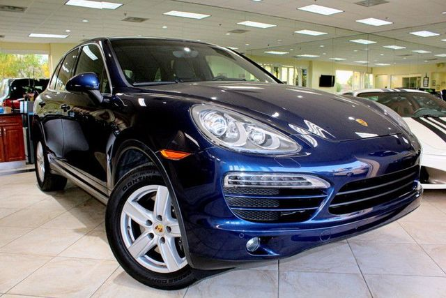 2012 Porsche Cayenne CARFAX CERTIFIED 1 OWNER MOON ROOF NAVIGATION BLUETOOTH CHRONO PACK