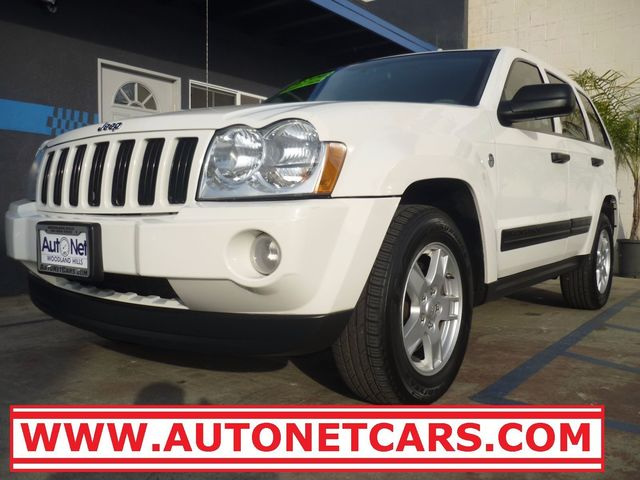 2005 Jeep Grand Cherokee Laredo 4Wd Looking for a reliable 4 Wheel Drive TRAIL RATED vehicle Look