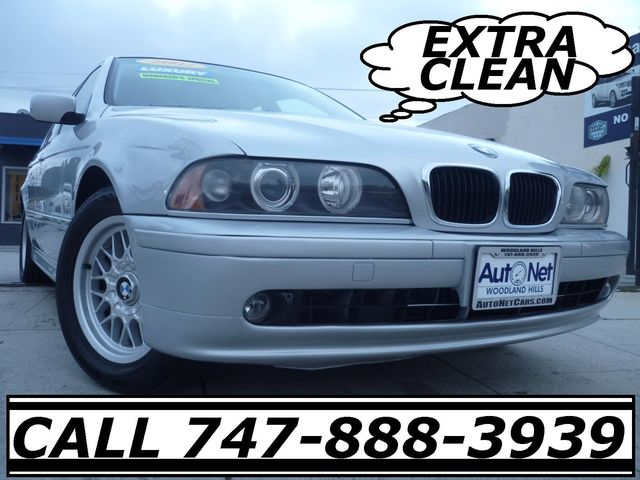 2002 BMW 525iA This BMW 525i is a great looking car Beautiful on the inside and out Silver Gray