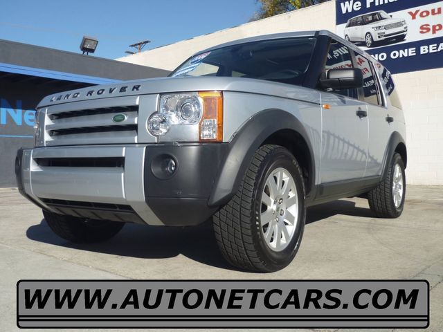 2006 Land Rover LR3 SE Look at this 2006 Land Rover LR3 Clean Titanium Silver on Beige color comb