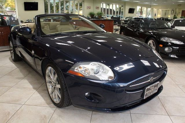 2007 Jaguar XK CARFAX CERTIFIED 1 OWNER SERVICE RECORDS LOW MILES CONVERTIBLE PARKING SE