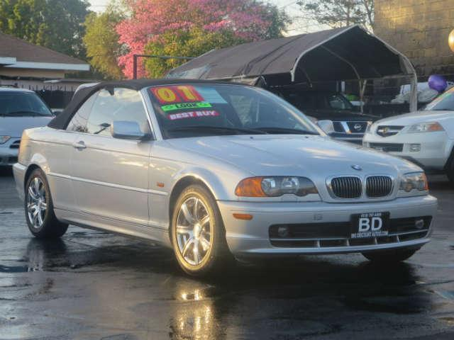 2001 BMW 325Ci EXCELLENT MANUAL BMWCONVERTIBLE GREAT CONDITIONS RUNS SMOOTH COME IN FOR A TEST