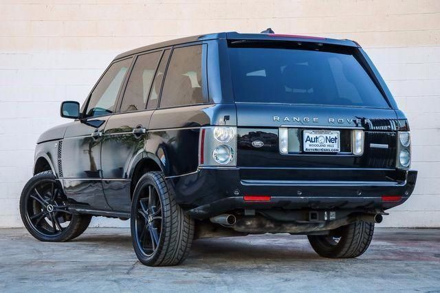 2006 Land Rover Range Rover FULL w DUAL SCREENS DVD PLAYER Looking for a stylish and sporty SUV