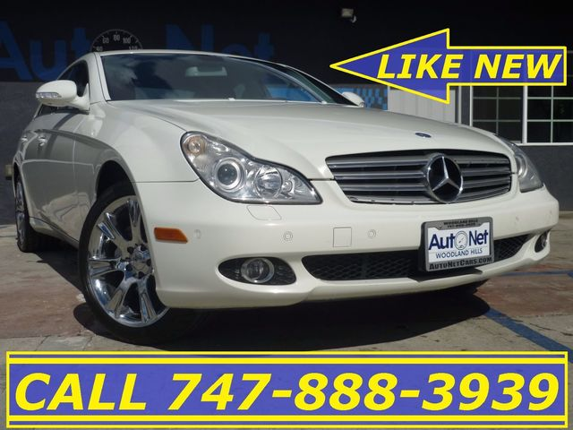 2008 Mercedes CLS550 55L AWESOME This car is a true beauty This 4-door coupe Mercedes-Benz CLS5