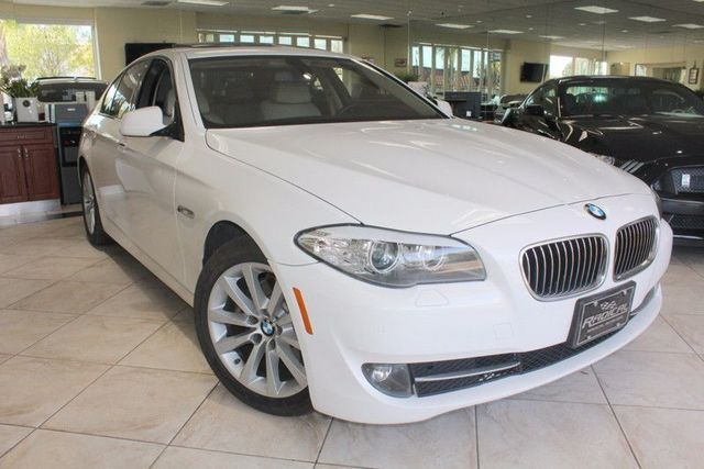 2011 BMW 528i CARFAX CERTIFIED KEY-LESS ENTRY KEY-LESS GO BLUETOOTH NAVIGATION MOON ROOF