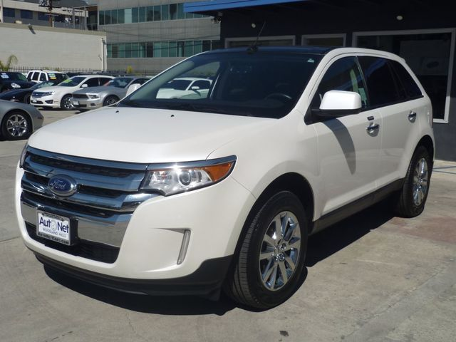 2011 Ford Edge SELWBack up camera and Navigat What a great car This 2011 Ford Edge is in amazin