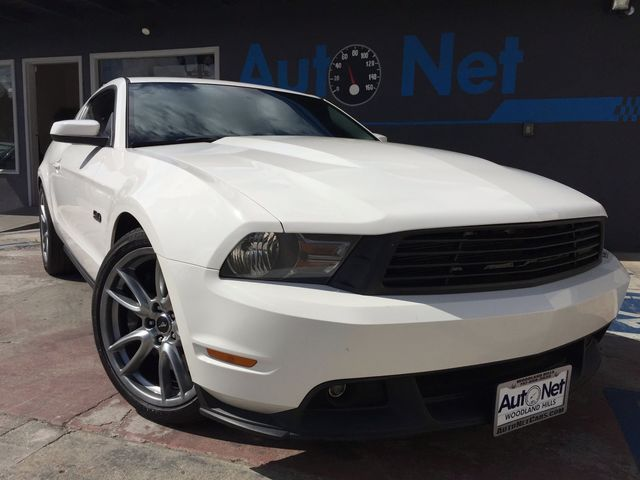 2011 Ford Mustang GT Premium RACING ROUSH PERFORMANCE WHAT A AWESOME CAR Wow This 2011 Mustang G