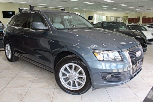 2009 Audi Q5 Premium Plus CARFAX CERTIFIED KEY LESS ENTRY KEY LESS START BLUETOOTH PANORAM