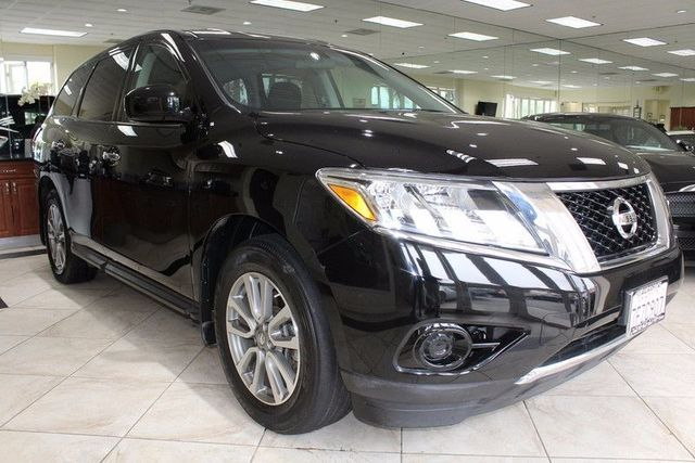2014 Nissan Pathfinder S CARFAX CERTIFIED ONE OWNER KEY LESS ENTRY KEY LESS START BLUETOOT