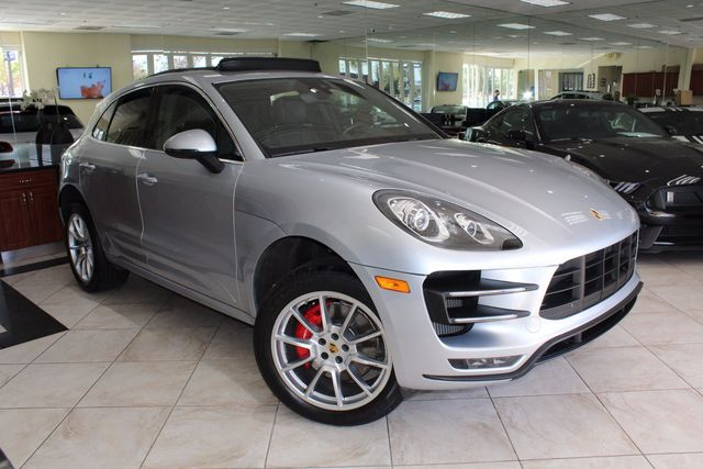 2015 Porsche Macan Turbo CARFAX CERTIFIED ONE OWNER KEY LESS ENTRY NAVIGATION BOSE SURROUN