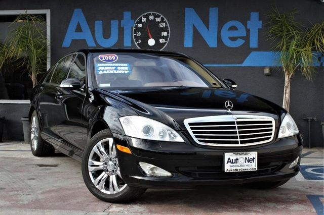 2009 Mercedes S550 55L BACKUP CAMERA NAVIGATION This Mercedes-Benz S Class truly screams luxury