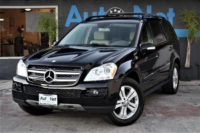 2008 Mercedes GL450 46L Dual screens DVD player amp Take a look at this All-wheel Drive beauty
