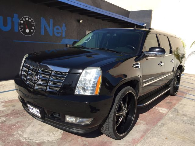 2008 Cadillac Escalade ESV AWD Ultra luxury collection Looking for a Luxurious All-wheel drive SU