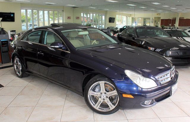 2007 Mercedes CLS-Class 55L CARFAX CERTIFIED ONE OWNER KEY LESS ENTRY MOON ROOF NAVIGATIO
