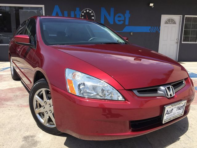 2004 Honda Accord EX LO JACK LEATHER AND MOONROOF Looking for a car thats both reliable and eco