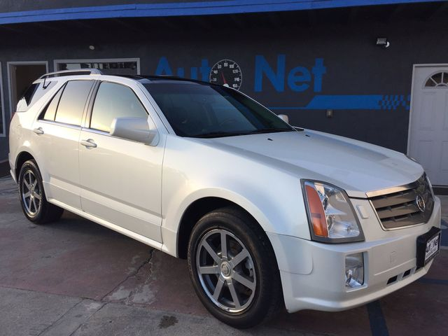 2004 Cadillac SRX LUXUARY NAVIGATION DVD PLAYER 3RD ROW Awesome This Cadillac SRX is a beautifu