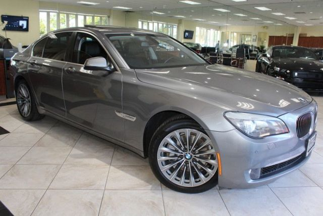 2012 BMW 740i CARFAX CERTIFIED KEY LESS ENTRY KEY LESS START BACK-UP CAMERA MOON ROOF NA