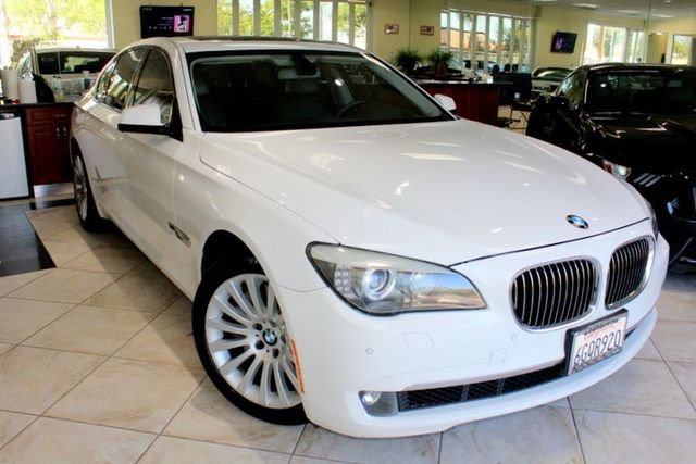 2009 BMW 750i CARFAX CERTIFIED SPORT PACKAGE KEY LESS ENTRY KEY LESS START HEAD-UP DISPLAY