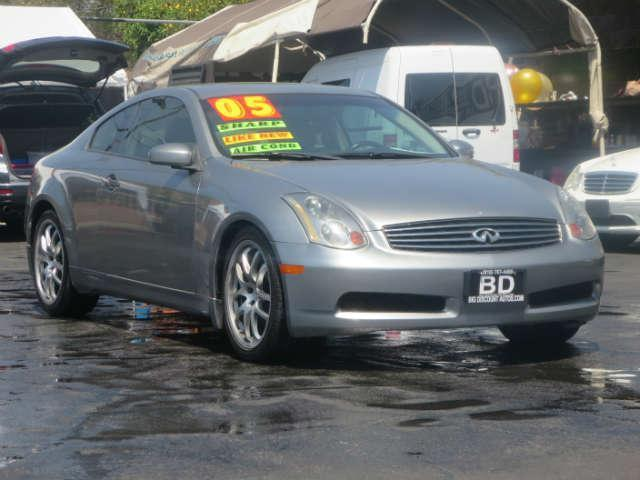 2005 Infiniti G35 Coupe BEAUTIFUL G-35 CLEAN INSIDE AND OUT RUNS SMOOTH COME IN FOR A TEST DRIVE