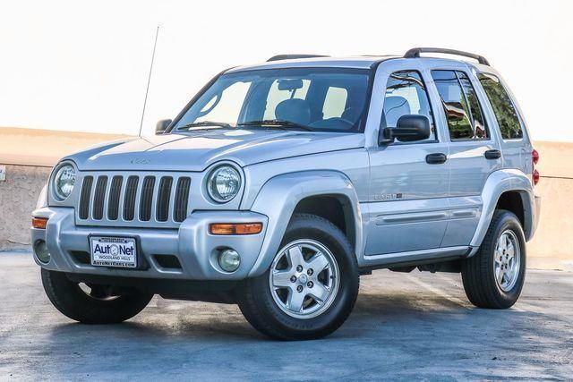 2002 Jeep Liberty Limited This 2002 Jeep Liberty 4x4 Limited is in EXCELLENT condition Silver on