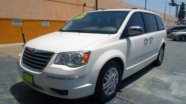 2008 Chrysler Town amp Country Limited super clean mini van sto n go seat leather and look wha